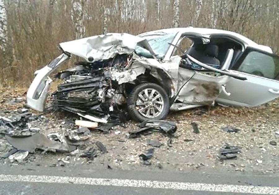 ВоВладимирской области встолкновении 2-х иномарок умер человек