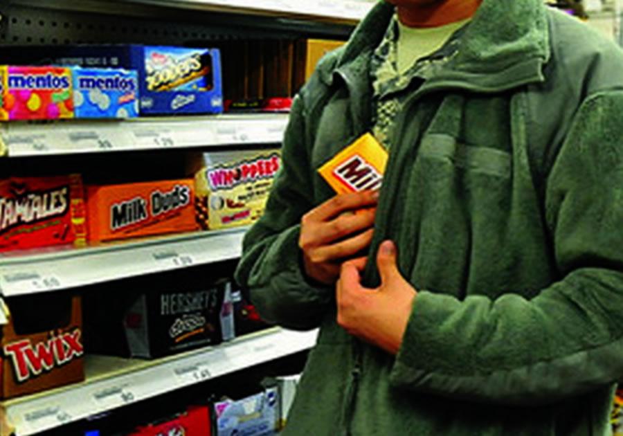 подумалось кражи в магазинах подростки разнесся
