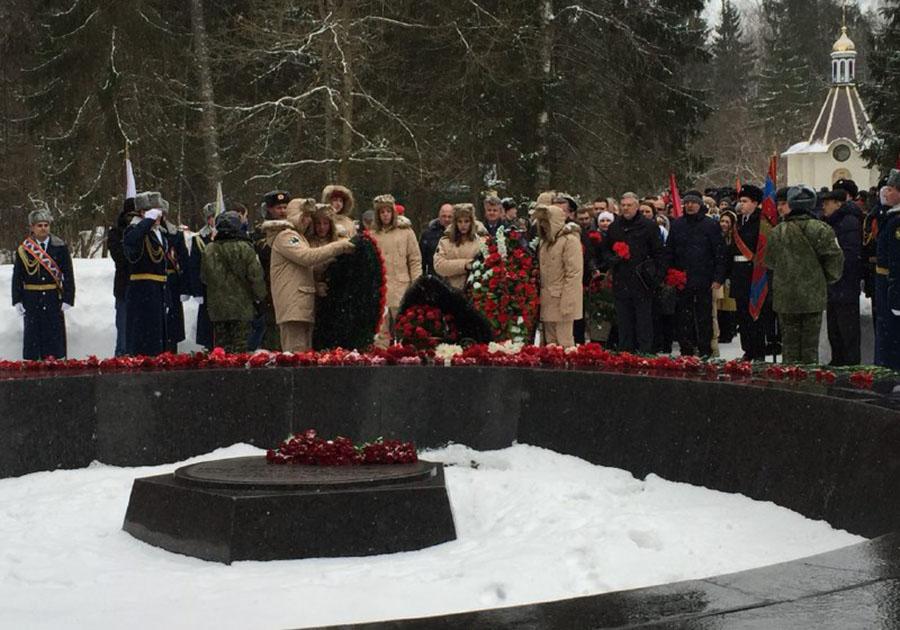 ВБрянске состоялась акция памяти Юрия Гагарина «Онбыл рожден для неба»