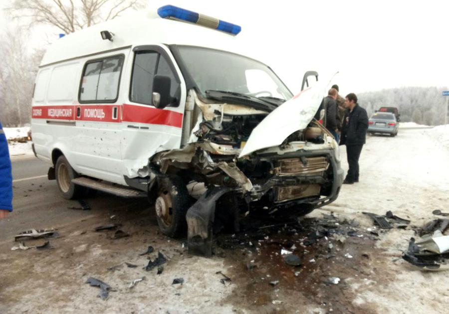 ВоВладимирской области скорая помощь с сыном угодила вДТП