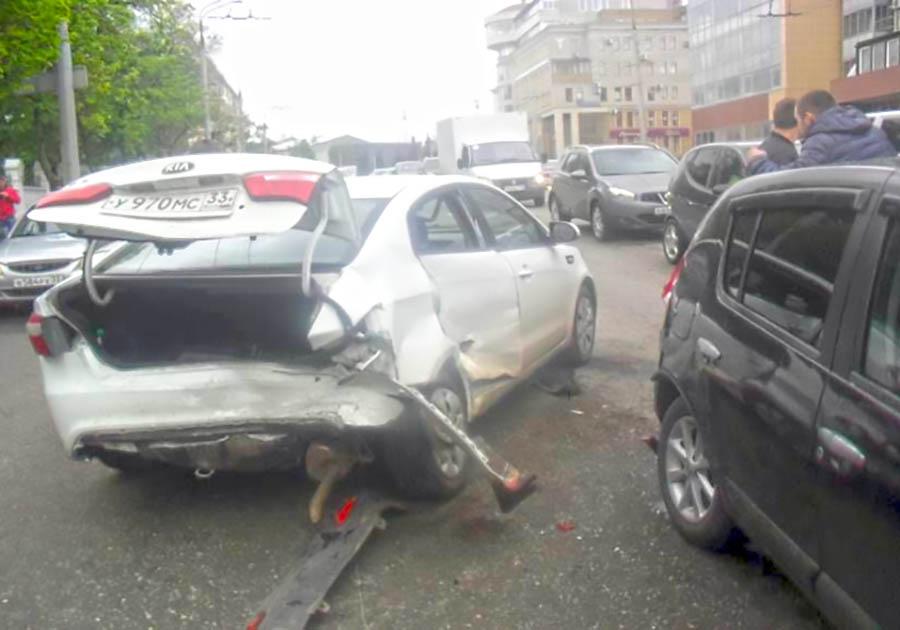 ВоВладимире наСтуденой горе столкнулись 5 авто