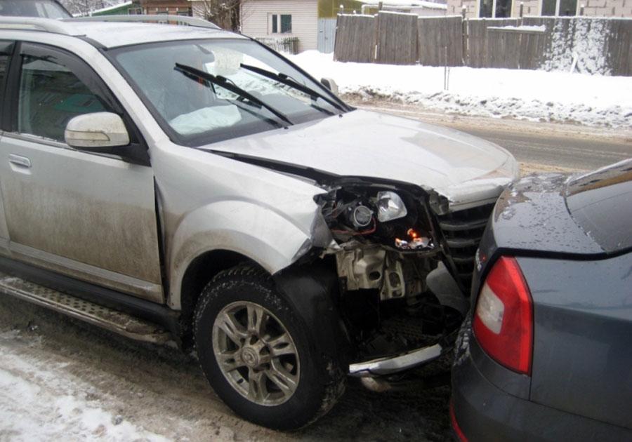 Смертельное ДТП под Александровом: столкнулись две легковушки и грузовой автомобиль