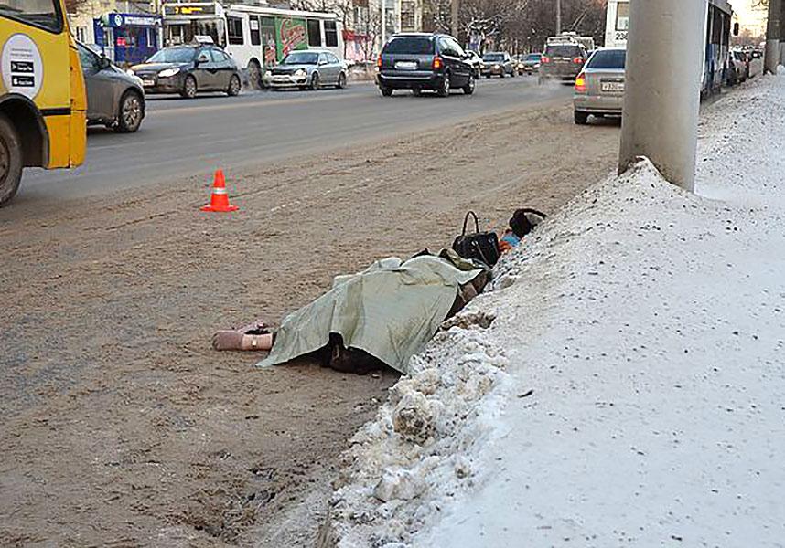 ВоВладимире погибла пенсионерка, выпав изтроллейбуса