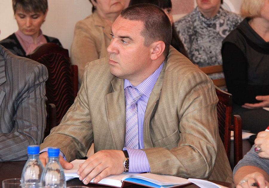 ВГусь-Хрустальном депутата подозревают вмошенничестве