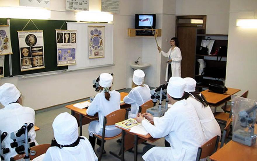 Медицинские и инженерные классы откроются в московских школах в новом учебном году