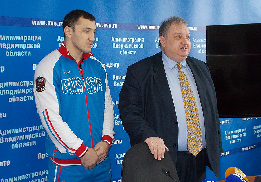 Владимирский боксер Садам Магомедов снова чемпион