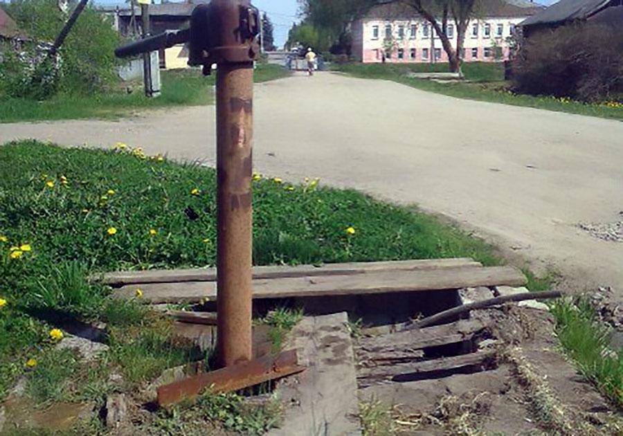 водопроводные колонки в городе